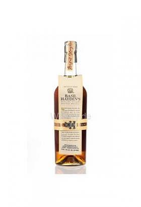 Basil Hayden`s Kentucky Straight Bourb..
